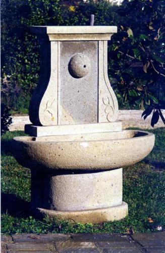 fontana artigianale scalpellino Bracciano